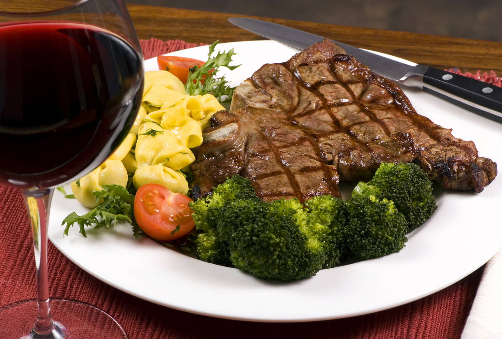 How to Choose the Perfect Wine for Your Steak